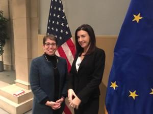 Nella foto: presso la Camera di Commercio degli Stati Uniti a Washington con la Vice Presidente, Majorie Chorlins